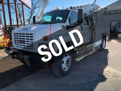 2003 GMC C7500 CREW CAB4DOOR ENCLOSED UTILITY SERVICE