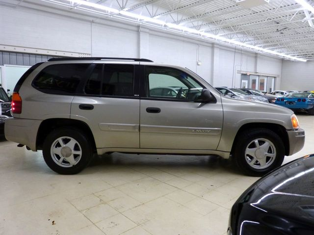 2003 GMC Envoy 4 new tires just serviced new barkes 6 new injectors tune up  - Click to see full-size photo viewer