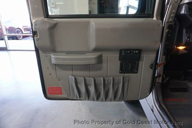 2003 HUMMER H1 4-Passenger Wagon Enclosed - 19302168 - 13