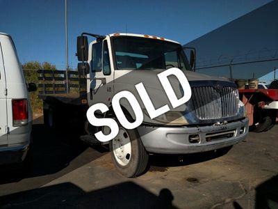 2003 International 4000  Truck