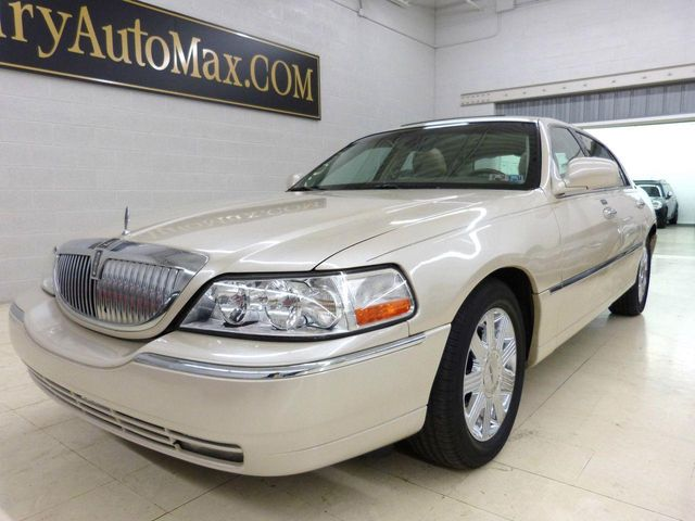 2003 used lincoln town car cartier at luxury automax serving chambersburg pa iid 11610348. Black Bedroom Furniture Sets. Home Design Ideas