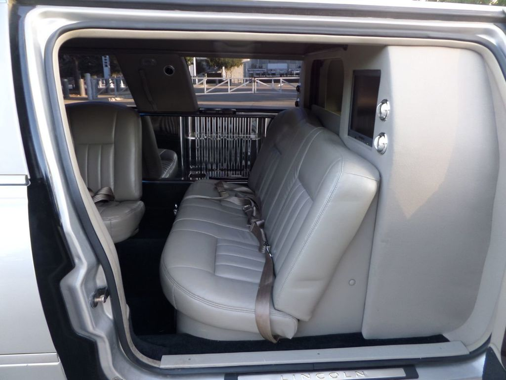 "2003 Lincoln Town Car LCW 100"" 5th Door Used Limousine Used Limo For Sale - 18175379 - 9"