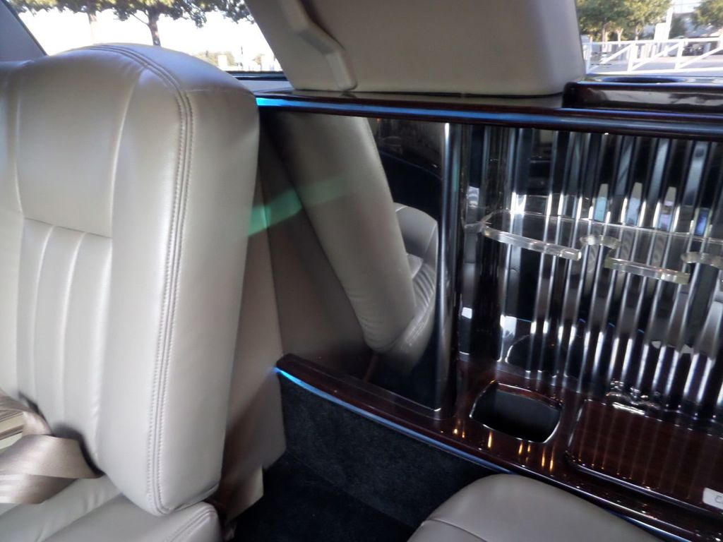 "2003 Lincoln Town Car LCW 100"" 5th Door Used Limousine Used Limo For Sale - 18175379 - 17"