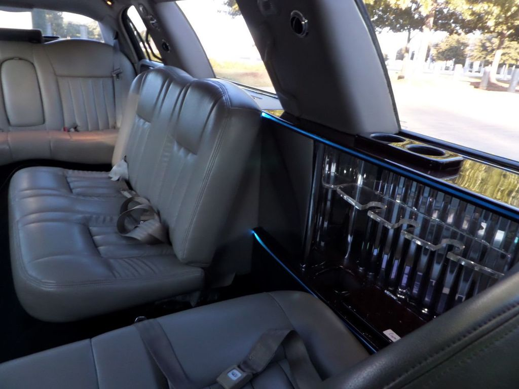 "2003 Lincoln Town Car LCW 100"" 5th Door Used Limousine Used Limo For Sale - 18175379 - 18"