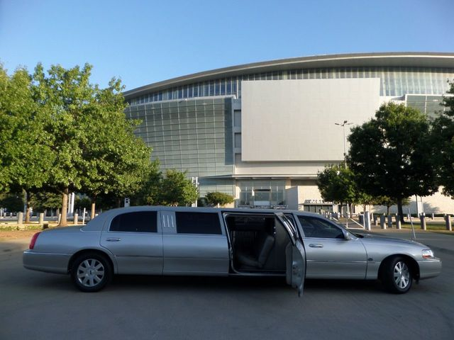 Limo For Sale >> 2003 Lincoln Town Car Lcw 100 5th Door Used Limousine Used Limo For Sale Sedan For Sale Arlington Tx 15 700 Motorcar Com