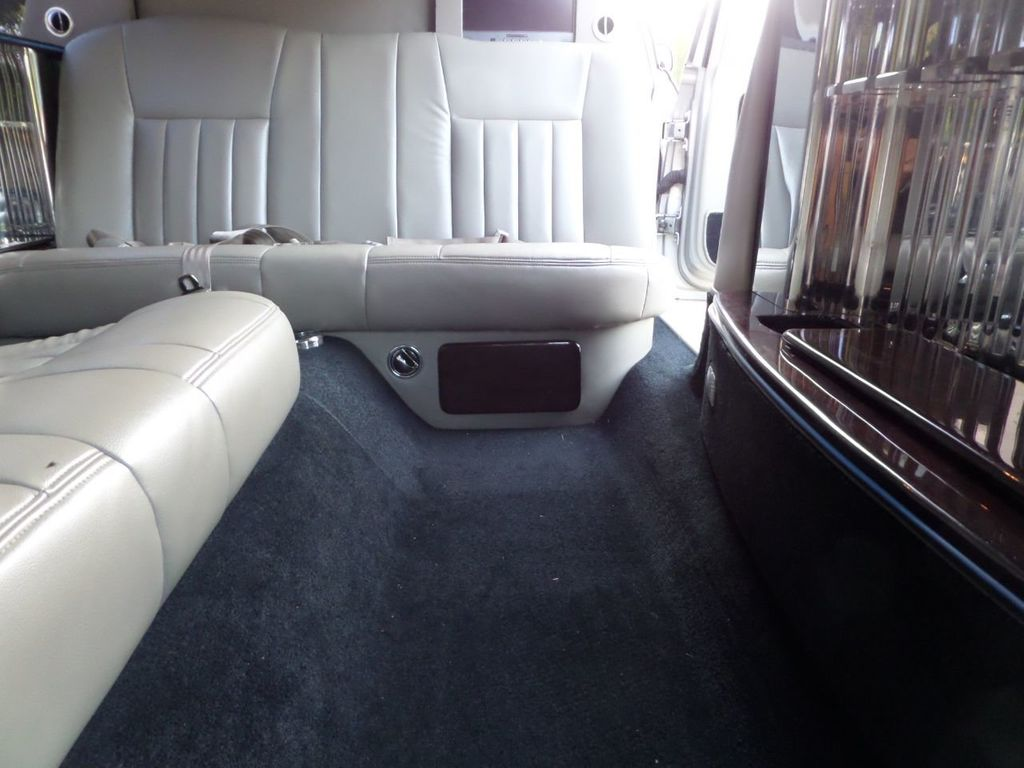 "2003 Lincoln Town Car LCW 100"" 5th Door Used Limousine Used Limo For Sale - 18175379 - 23"