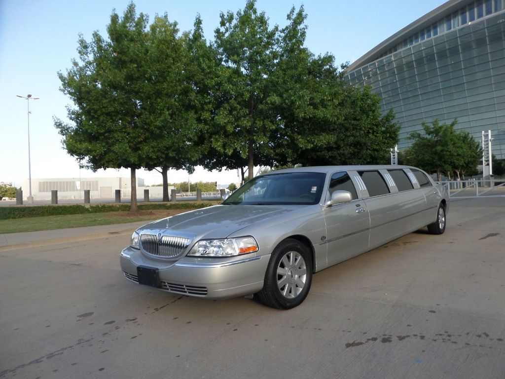"2003 Lincoln Town Car LCW 100"" 5th Door Used Limousine Used Limo For Sale - 18175379 - 24"