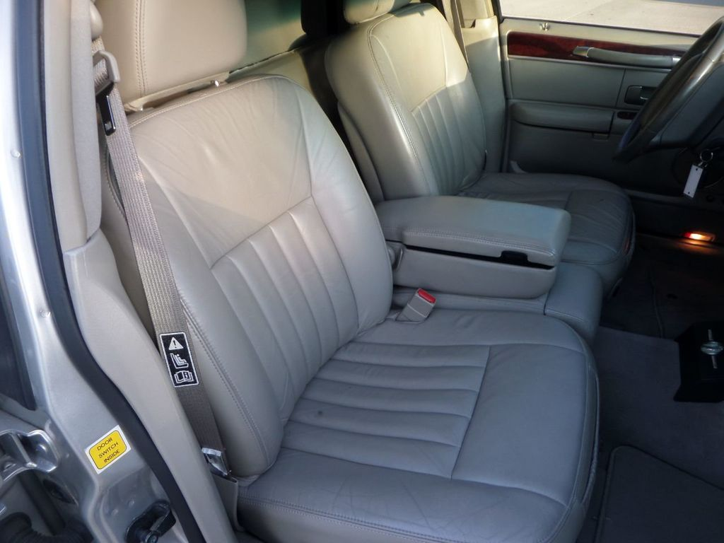 "2003 Lincoln Town Car LCW 100"" 5th Door Used Limousine Used Limo For Sale - 18175379 - 25"