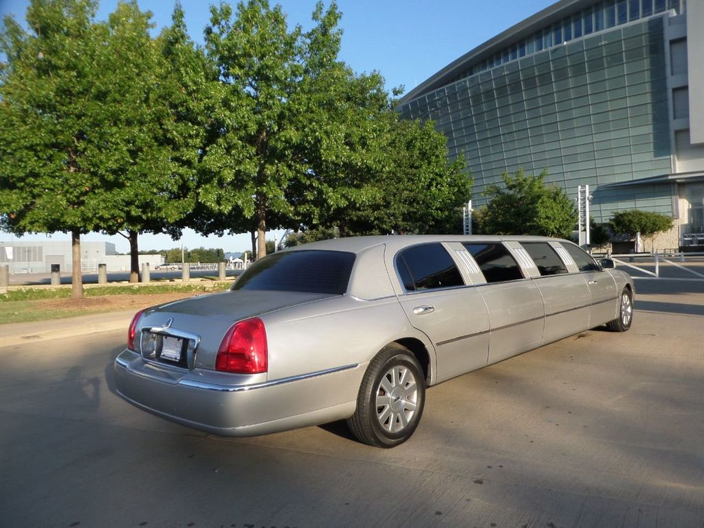 "2003 Lincoln Town Car LCW 100"" 5th Door Used Limousine Used Limo For Sale - 18175379 - 32"