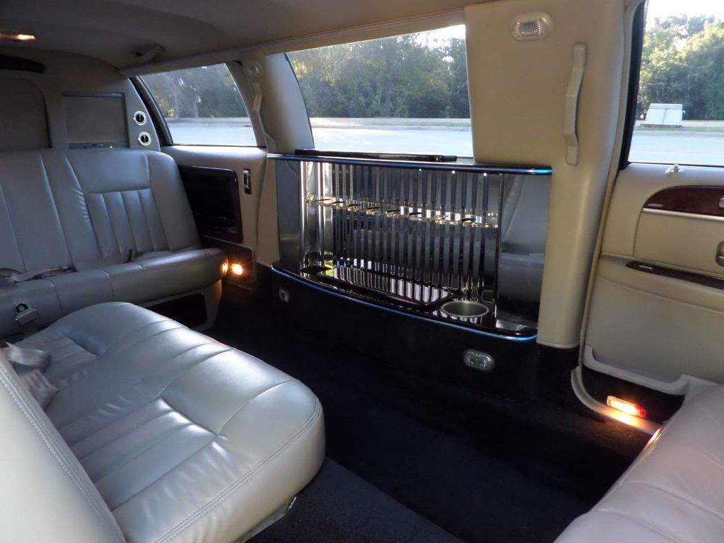 "2003 Lincoln Town Car LCW 100"" 5th Door Used Limousine Used Limo For Sale - 18175379 - 33"