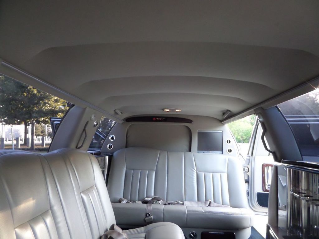 "2003 Lincoln Town Car LCW 100"" 5th Door Used Limousine Used Limo For Sale - 18175379 - 36"