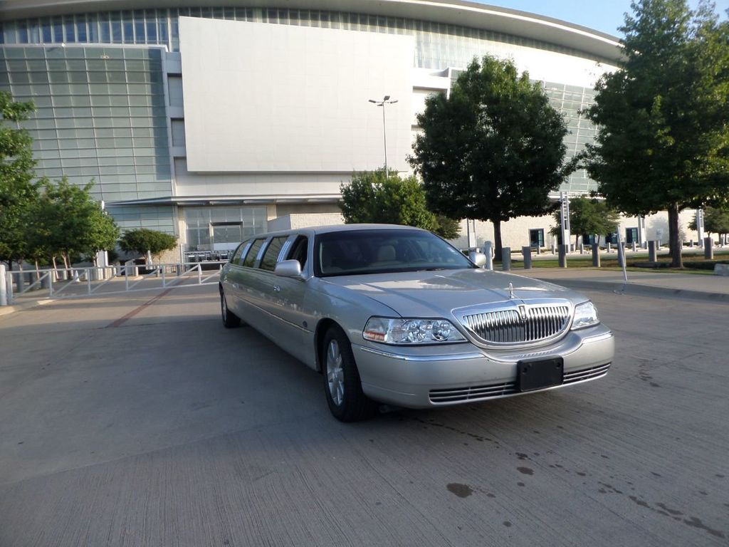 "2003 Lincoln Town Car LCW 100"" 5th Door Used Limousine Used Limo For Sale - 18175379 - 38"