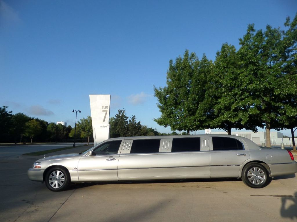 "2003 Lincoln Town Car LCW 100"" 5th Door Used Limousine Used Limo For Sale - 18175379 - 43"