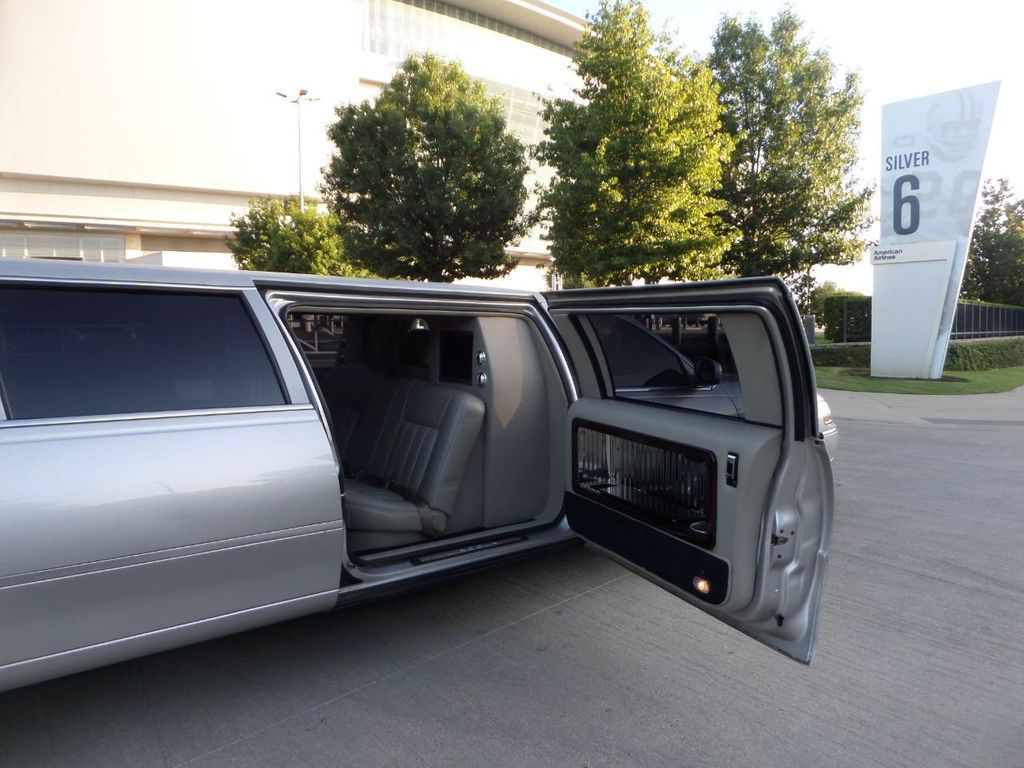 "2003 Lincoln Town Car LCW 100"" 5th Door Used Limousine Used Limo For Sale - 18175379 - 7"
