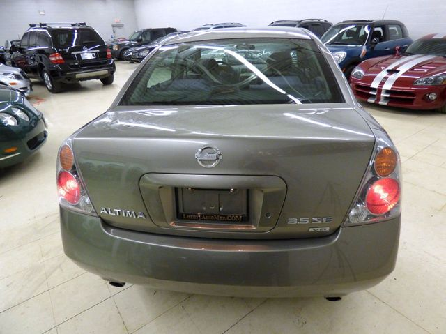 2003 Nissan Altima SE - Click to see full-size photo viewer