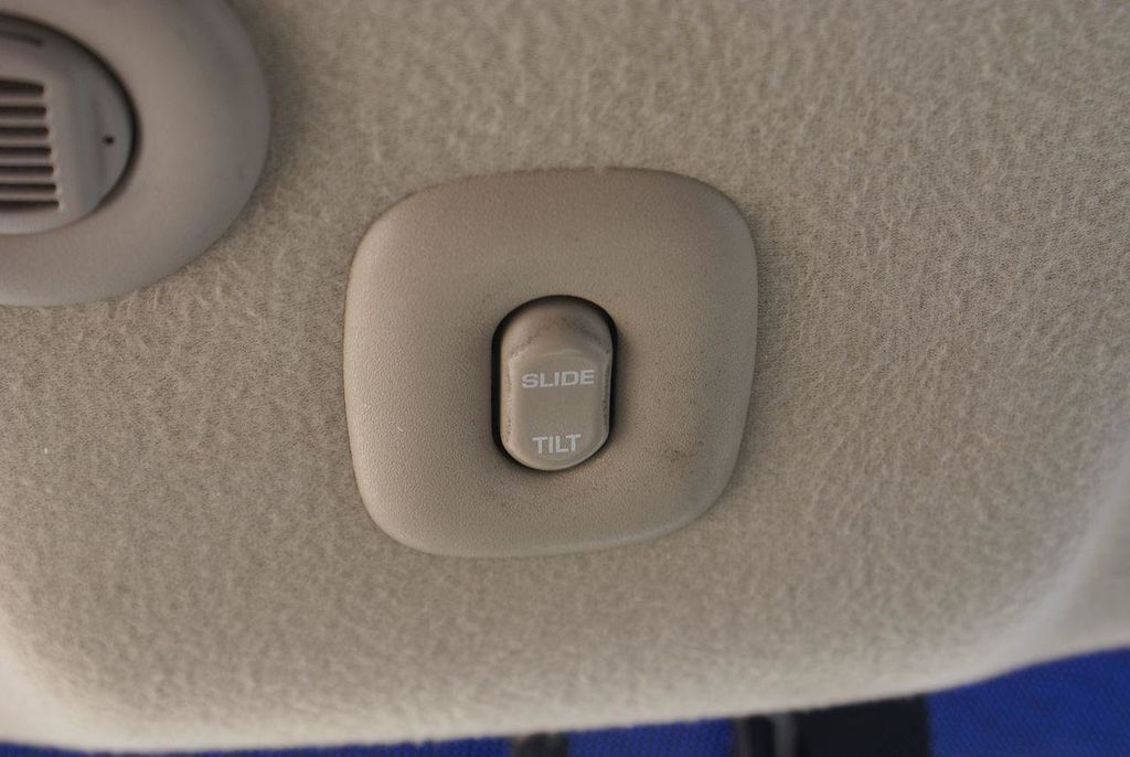 2003 Saturn LS L-300 Automatic - 13413180 - 24