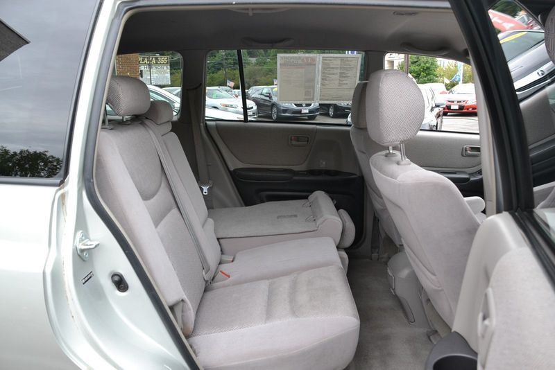 2003 Toyota Highlander 4dr V6 4WD - Click to see full-size photo viewer