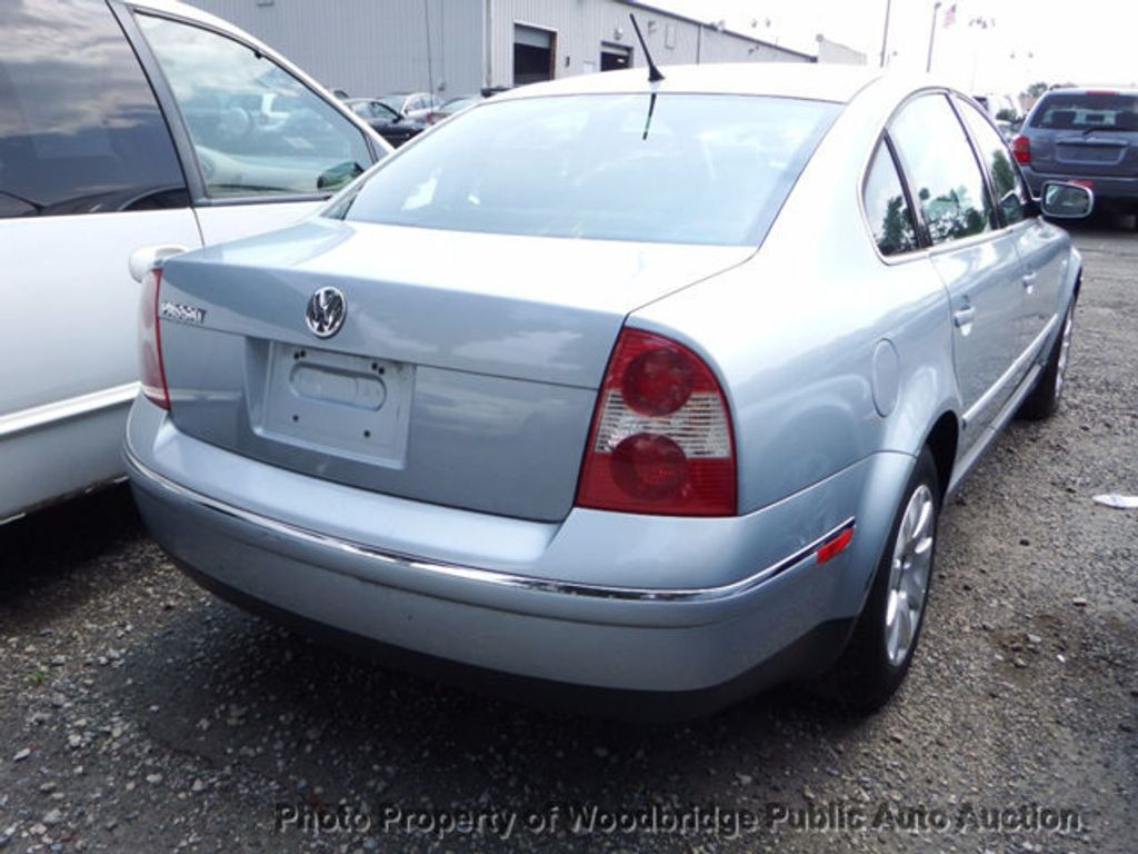 2003 Volkswagen Passat 4dr Sedan GLS Manual - 16731163 - 2