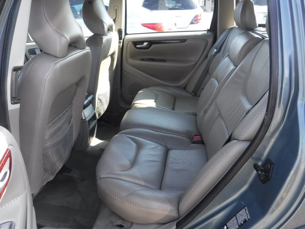 2003 Volvo V70 5dr Wagon 2.5L Turbo AWD XC70 - 18633127 - 9