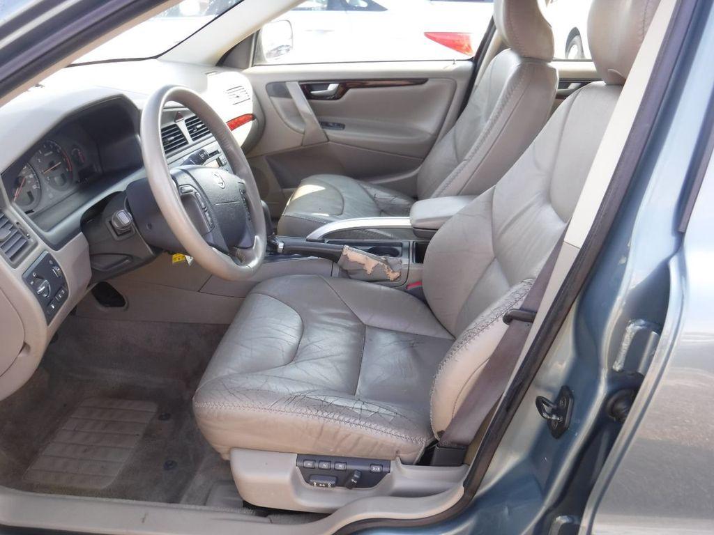 2003 Volvo V70 5dr Wagon 2.5L Turbo AWD XC70 - 18633127 - 1