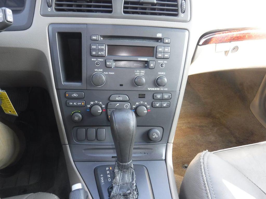 2003 Volvo V70 5dr Wagon 2.5L Turbo AWD XC70 - 18633127 - 22