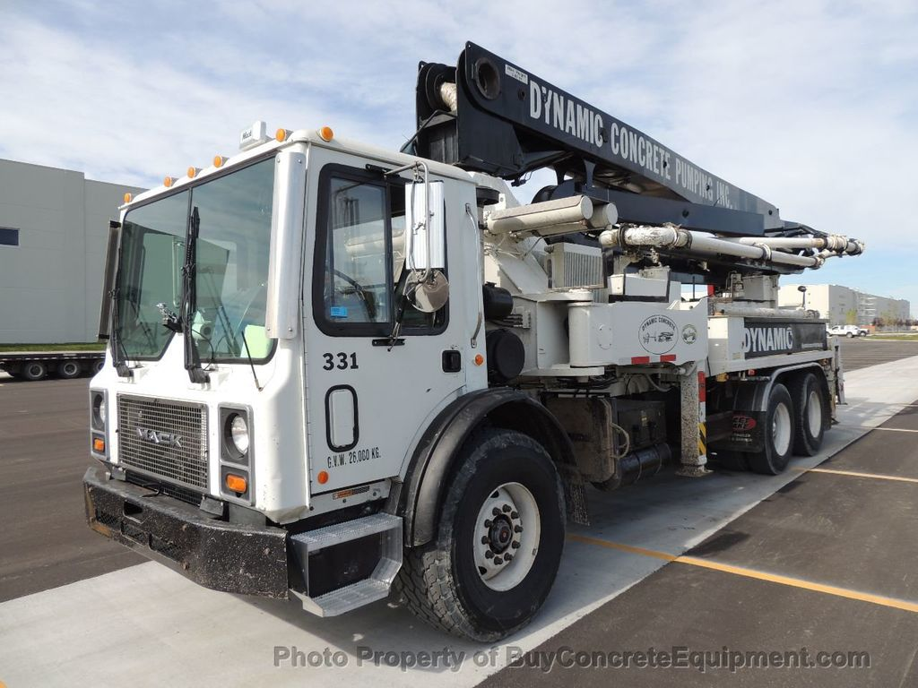 2004 Alliance 33m Mack Chassis - 14974702 - 1