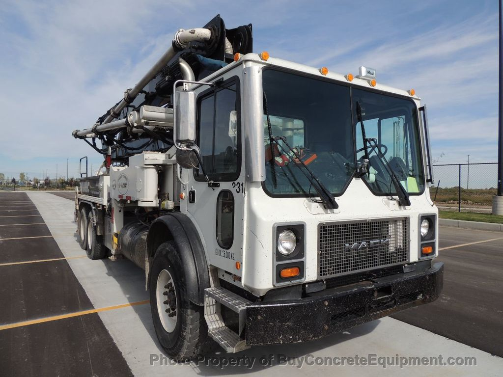 2004 Alliance 33m Mack Chassis - 14974702 - 3