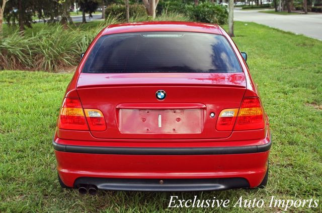 2004 BMW 3 Series 2004 BMW 330i ZHP M PERFORMANCE PACKAGE SEDAN 6-SPEED MANUAL - Click to see full-size photo viewer