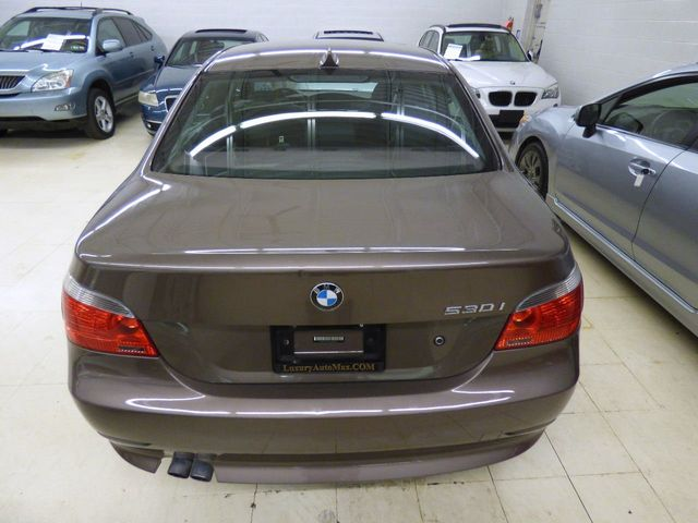 2004 BMW 5 Series 530i - Click to see full-size photo viewer