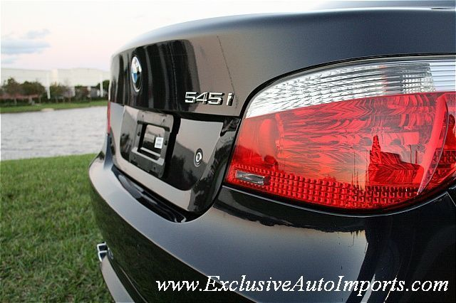 2004 BMW 5 Series 545i - Click to see full-size photo viewer