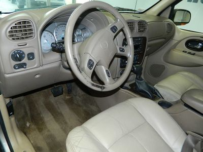 2004 Buick RAINER CXL AWD SUV 2004 BUICK RAINIER CXL AWD SUV WITH HEATED AND LEATHER SEATS - Click to see full-size photo viewer
