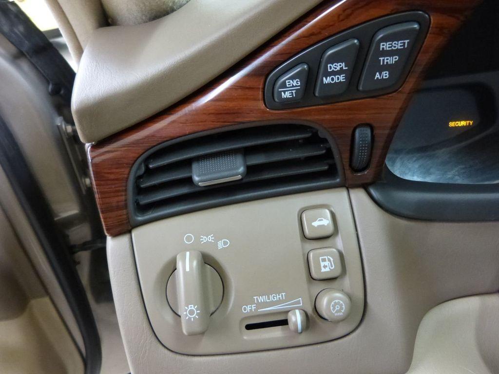 Front or Rear Door Panel Light Clear 91 Cadillac Sedan Deville White 4 Dr V8 OEM
