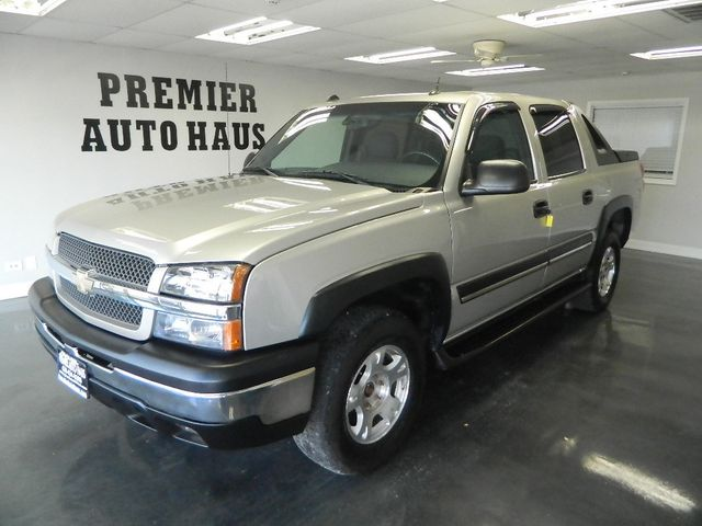 2004 Chevrolet Avalanche 2004 CHEVROLET AVALANCHE CREW CAB 4WD 4D 4X4