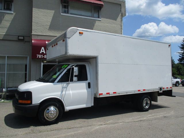 2004 Chevrolet Express Commercial Cutaway 139