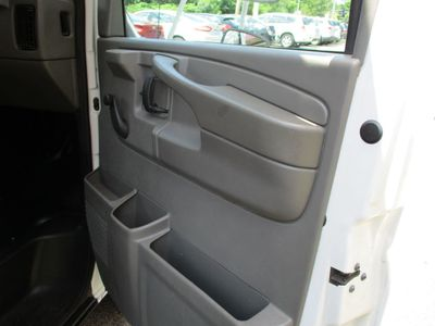 2004 Chevrolet Express Commercial Cutaway 139 - Click to see full-size photo viewer