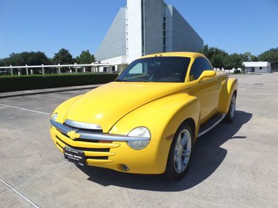 "2004 Chevrolet SSR Reg Cab 116.0"" WB LS - Click to see full-size photo viewer"