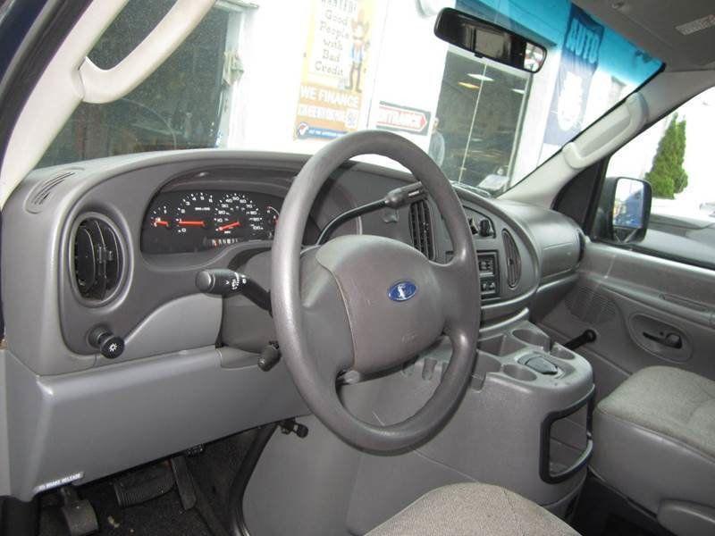 2004 e150 wheel size