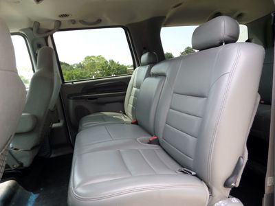"2004 Ford Excursion 137"" WB 6.0L XLT 4WD - Click to see full-size photo viewer"