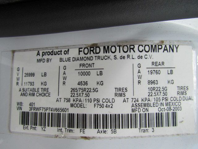 2004 Ford F750 Fuel - Lube Truck - 12122342 - 30