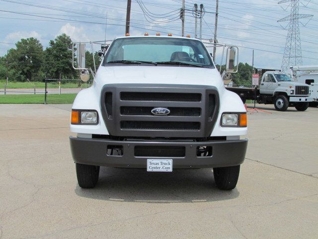 2004 Ford F750 Fuel - Lube Truck - 12122342 - 4