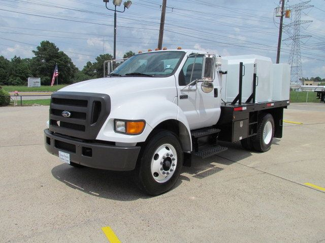 2004 Ford F750 Fuel - Lube Truck - 12122342 - 5