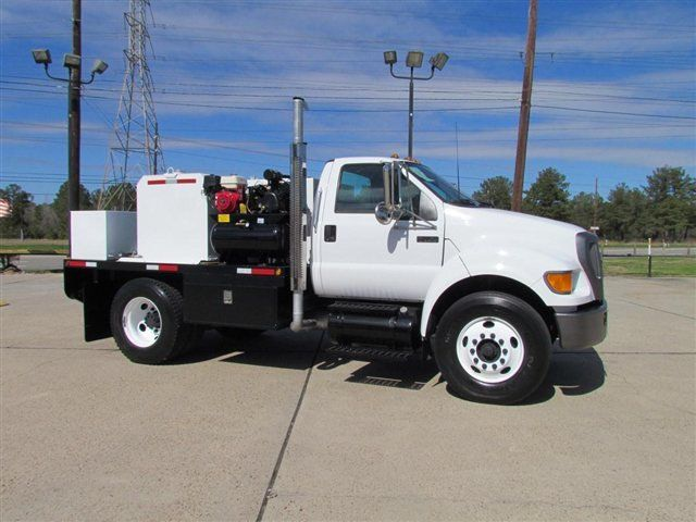 2004 Ford F750 Fuel - Lube Truck - 9755055 - 0