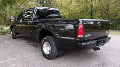 "2004 Ford Super Duty F-350 DRW Crew Cab 172"" Lariat 4WD - Click to see full-size photo viewer"