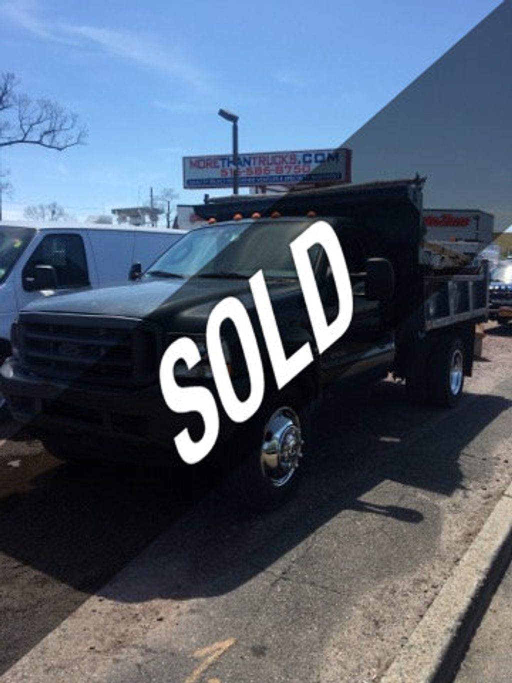2004 Ford Super Duty F-550 9 FOOT MASON DUMP  with PTO F550 9 FOOT MASON DUMP 5 SPEED WITH PTO CONTROLLER - 14872380 - 0
