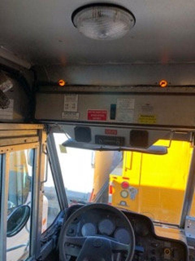 2004 Freightliner MT 55 ENCLOSED SERVICE STEP VAN WITH UNDER DECK COMPRESSOR - 18326698 - 12