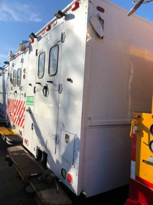 2004 Freightliner MT 55 ENCLOSED SERVICE STEP VAN WITH UNDER DECK COMPRESSOR - 18326698 - 6