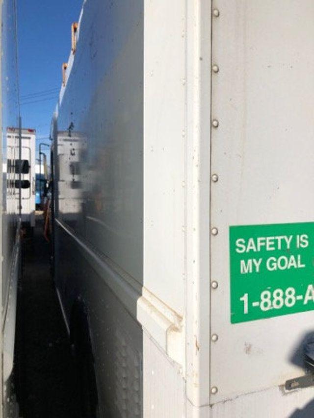 2004 Freightliner MT 55 ENCLOSED SERVICE STEP VAN WITH UNDER DECK COMPRESSOR - 18326698 - 8