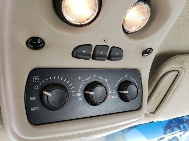 2004 GMC Yukon XL 1500 - 18247241 - 10