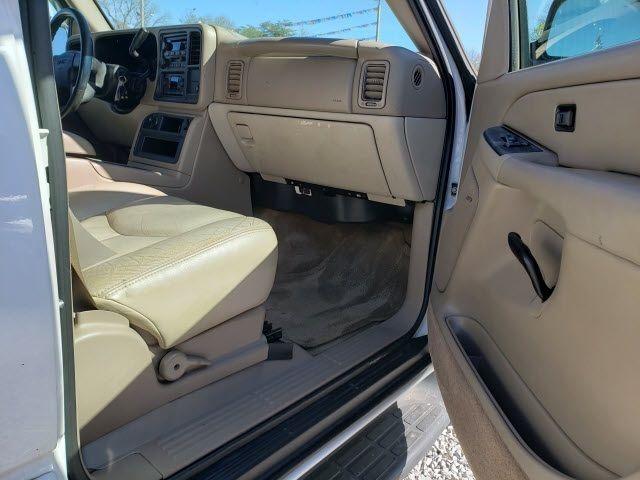 2004 GMC Yukon XL 1500 - 18247241 - 20