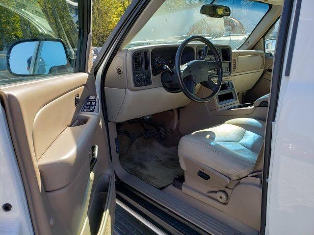 2004 GMC Yukon XL 1500 - 18247241 - 4